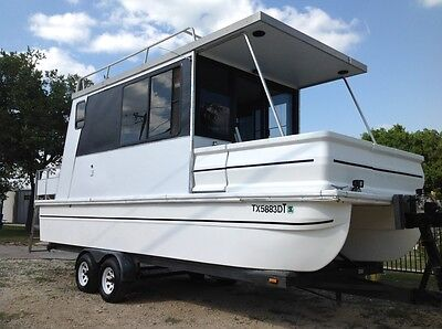 26 ft 1997 Hobo Catamaran Cruiser - Pontoon Tow-able House Boat EXCELLENT!