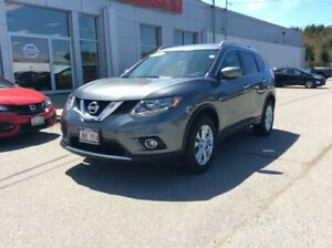 2016 Nissan Rogue SV AWD       $205 BI WEEKLY LOW MILEAGE!