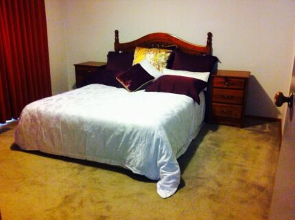 Master Room With Ensuite - Mins to Holmesglen Train Station & Burwood Ashwood Monash Area Preview