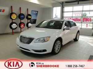 2013 Chrysler 200 Limited V6 *TOIT*CUIR*CRUISE*A/C*SIEGES CHAUFF