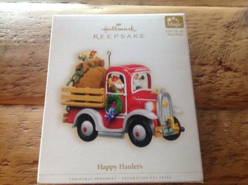 Hallmark Keepsake Ornament 2006 Happy Haulers Truck Magic NIB Windup Magic Sound