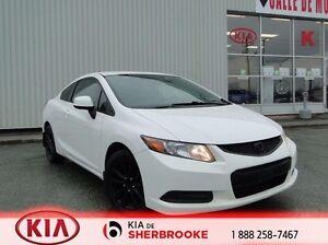 2012 Honda Civic Cpe LX ** COUPÉ / AUTOMATIQUE / PETIT PRIX **