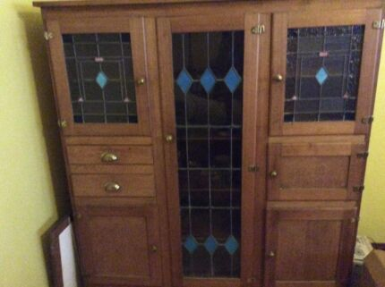 Lovely old 1940s kitchen dresser, with lead light doors. Dulwich Hill Marrickville Area Preview