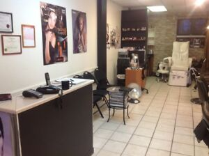 HAIR & NAIL SALON BUSINESS FOR SALE DONWTOWN MONTREAL 10000$