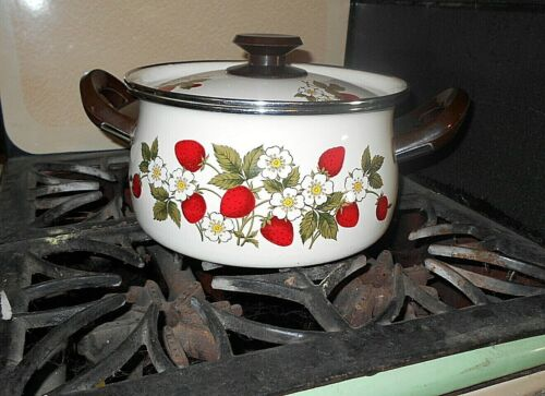 ENAMEL STRAWBERRY POT