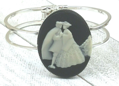 Vintage Inspired Bracelet Cameo Resin Black Cream Courting Couple Silhoutte