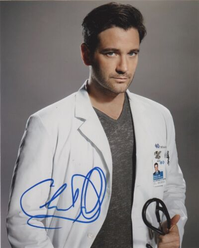 Colin Donnell Chicago Med Autographed Signed 8x10 Photo COA #G1