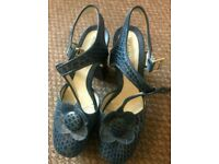 Clarks Orla Kiely Beryl Navy Blue Platform Shoes Used Size 5 (Rare)
