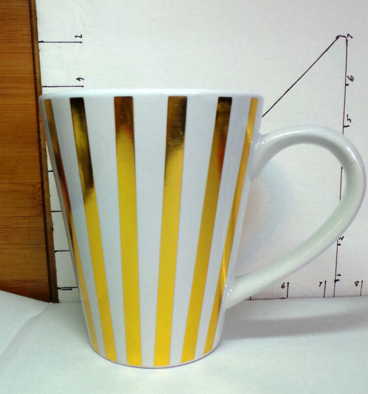 Cup/mug, Tall Mug, White with Textured Gold Vertical Stripes, California Pantry