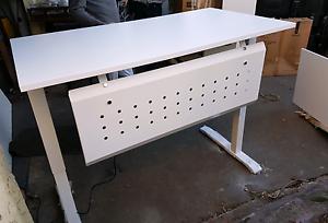 CLOSING DOORS SALE -  Electric Desk 1400mm Norman Park Brisbane South East Preview
