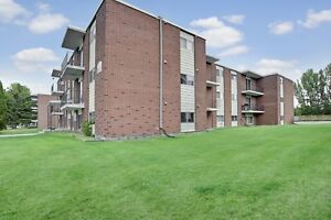 2 Bedroom for 700! Call 306 314 0448 .....Free Jan. Rent