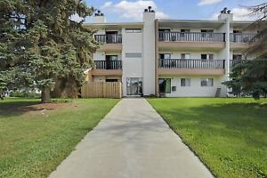 FREE Jan RENT!  Great location for families! Call 314-0214