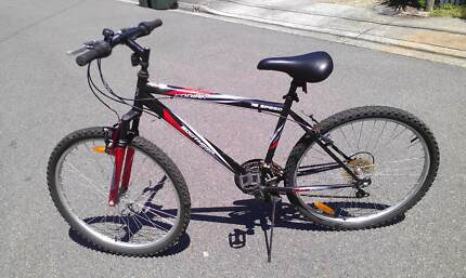 Black and Red 26' Mens, 18 speed Mountain Bike, Southern Star