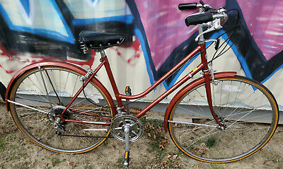 90f6105cebc Vintage Womens Schwinn World Tourist Bike Bicycle Red Cruiser 1980's Dark  Cherry