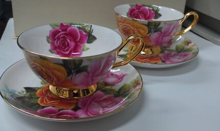 New! Royal O' Queen teacup 4pc gift set