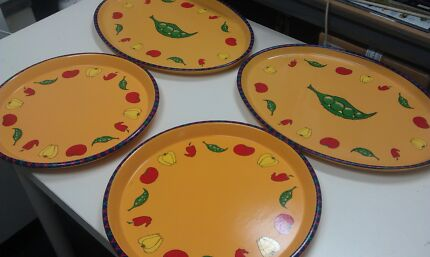 Ceramic platter plates x 4 + glass platter x 1