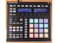 Maschine MK2 + Maschine Stand and Expansion Pack