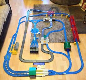 Thomas & Friends The Ultimate Road & Rail Set
