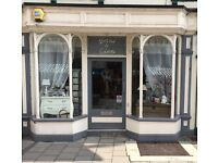 Retail shop to let - Tewkesbury town Gloucestershire