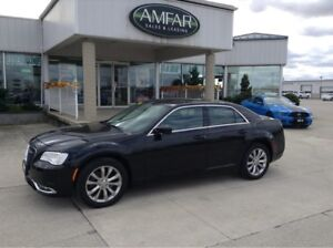 2016 Chrysler 300 AWD / NAV / LEATHER / NO PAYMENTS FOR 6 MONTHS
