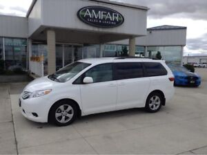 2016 Toyota Sienna DVD / POWER DOORS / NO PAYMENTS FOR 6 MONTHS