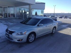 2014 Nissan Altima NO PAYMENTS FOR 6 MONTHS !!