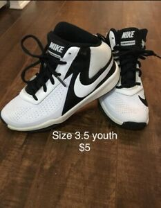 Nike team hustle size 3.5 youth