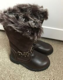 Girls brown boots size 6