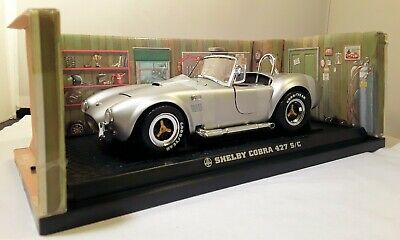 SHELBY COBRA 427 S/C 1:18 Scale Die-Cast Car Series No.7006MF