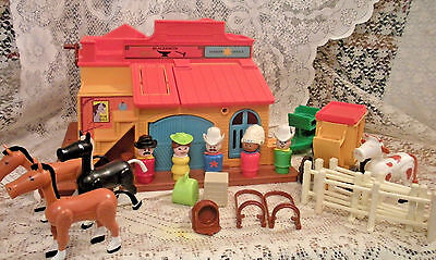 Vintage Fisher Price Little People Play Family Western Town #934 - COMPLETE -HTF