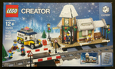 LEGO Creator Expert Winter Village Station 10259 Christmas Restaurant Retired