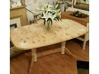 stunning pine table with 4 chairs