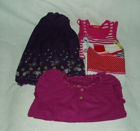 Girl's clothes aged 5 – 6 years - 4 items