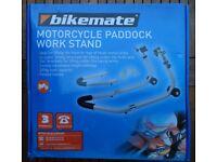MOTORCYCLE UNIVERSAL PADDOCK WORK STAND - BIKEMATE UNUSED !