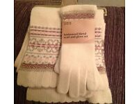 M & S LADIES LAMBSWOOL SCARF & GLOVES SET