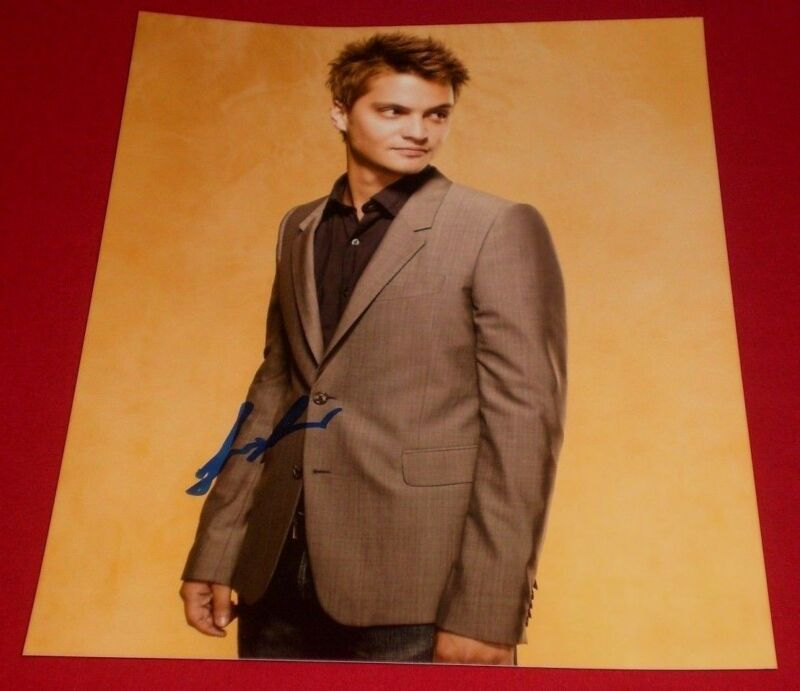 LUKE GRIMES SIGNED YOUNG CLASSY STUD 8X10 PHOTO AUTO COA ELLIOT GREY 50 SHADES