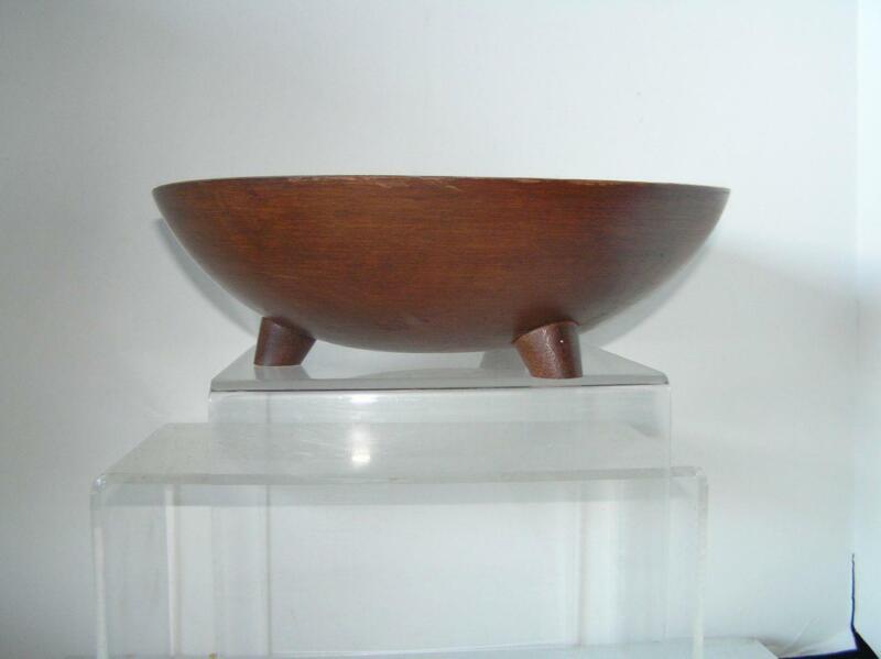"Vintage Munising Marked Dark Primitive Dough Wood Bowl footed 11"" x 3.25"""