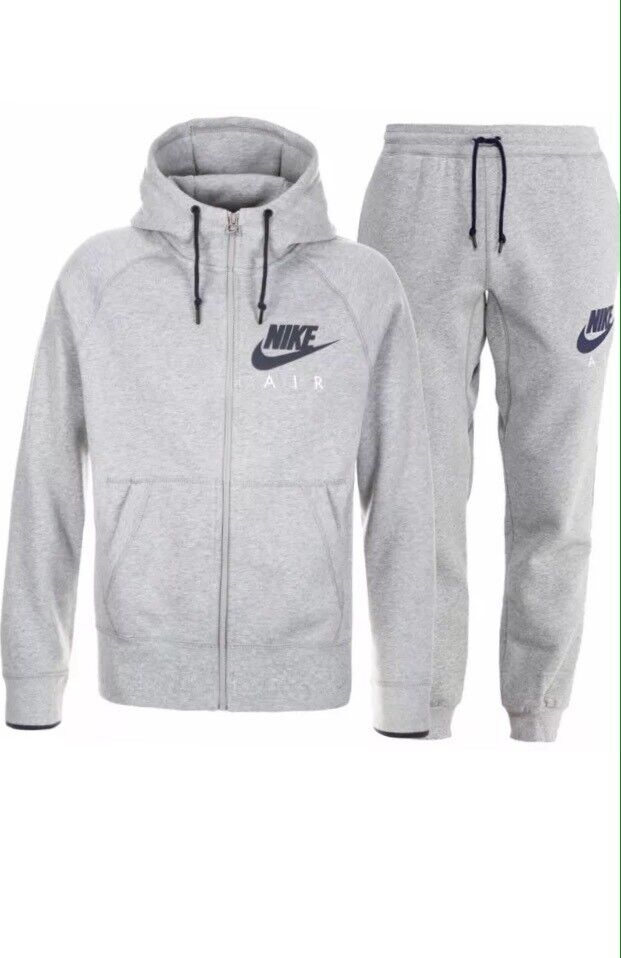 Men's full Nike tracksuit brand new with tags size small