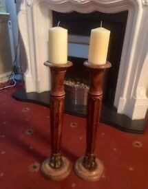 Wooden antique candle set