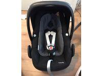 Maxi Cosi Pebble Plus Car Seat iSize Black Raven Includes Newborn Insert & Hood