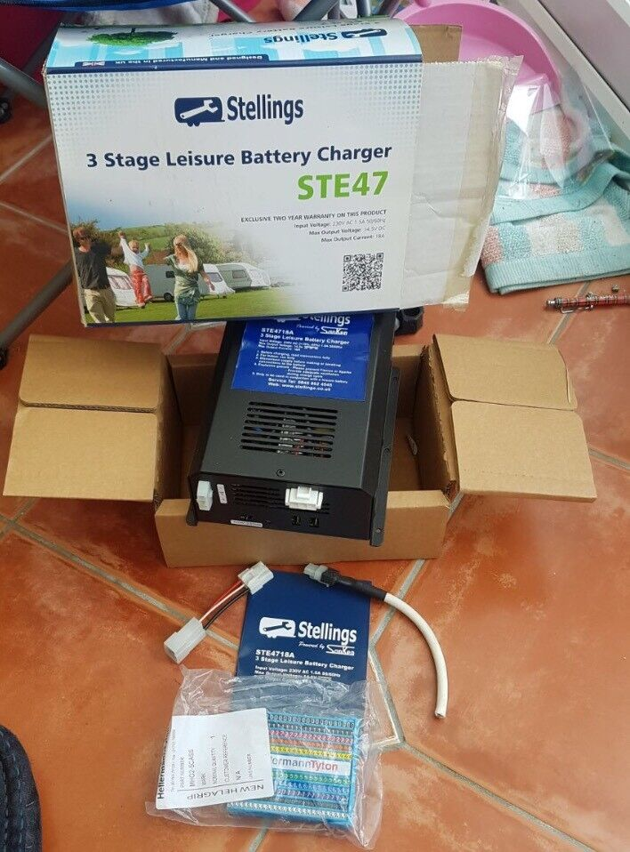 Stellings 3 Stage Leisure Battery Charger STE47
