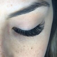 EXPERIENCED LASH TECH ACCEPTING NEW CLIENTS