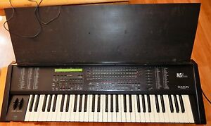 Vintage 1992 Ketron Lab Solton MS5 Synthesizer Keyboard Italy ROK SAK Case Rare
