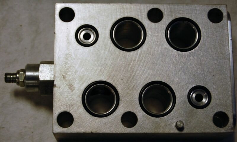 Sun Hydraulics OKP4-A2 Manifold