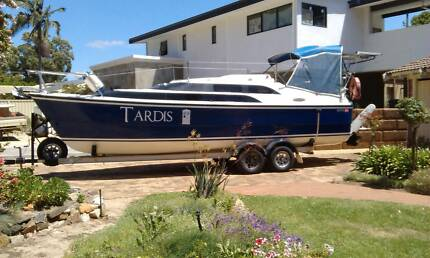 Yacht 2009 Macgregor 26M on Aluminium Trailer