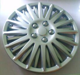 "2 x 15""; car wheel trims free made of plastic"