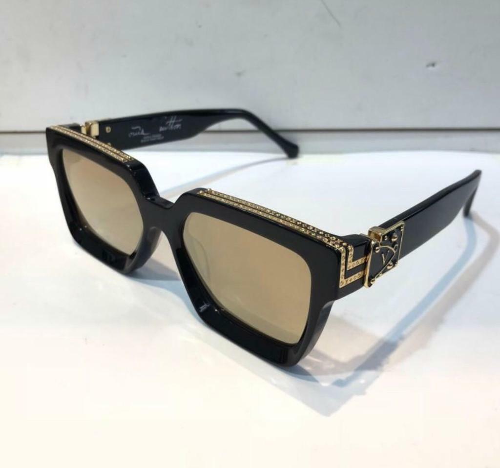 e3dedb0df3b Versace sunglasses