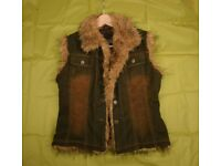 Ladies Denim Fur Trim AOETU Body Warmer Jacket / Waist Coat (size Medium)