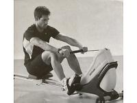 Top Class rowing machine, can be stored vertically (space-saving)