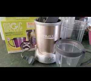 Nutribullet 900w and extra accessories Alfredton Ballarat City Preview